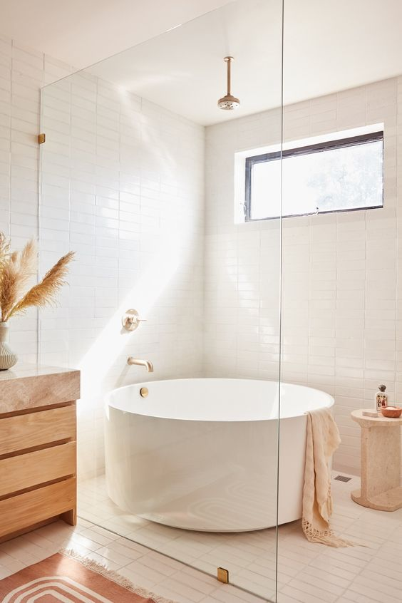 Chic-Japanese-Soaking-Tub